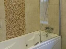 Стеклянные шторки для ванной от производителя