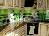 Стекляные кухонные фартуки (скинали), душевые кабины. - фото 2