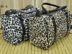 Стильная и удобная велюровая женская сумка под леопард