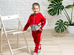 Яркий велюровый спортивный костюмчик для девочки красного цвета 6-8 лет