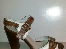Стильные босоножки на каблуке Натуральная кожа бело рыжие
