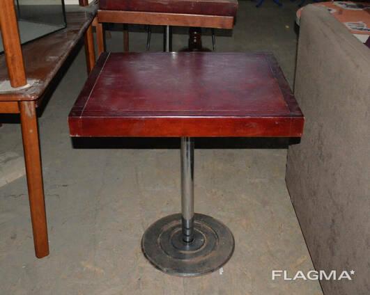 Стол деревянный б/у коричневый на хромированной ноге