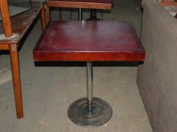 Стол деревянный б/у коричневый на хромированной ноге - фото 1