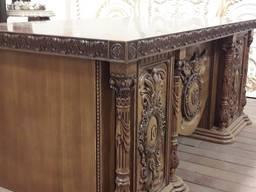 Стол для кабинета из дерева с авторской резьбой под заказ