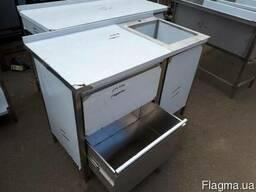 Стол тумба с мойкой и выдвижными ящиками для инвентаря