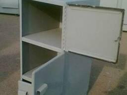 Стол - тумбочка для инструментов
