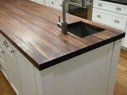 Прямоугольная деревянная столешница на кухню из массива