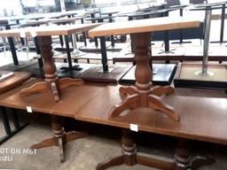 Столы б/у в хорошем состоянии, материал ясень, нога резьблен