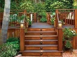 Строительство деревянных террас с лестницей из термодерева