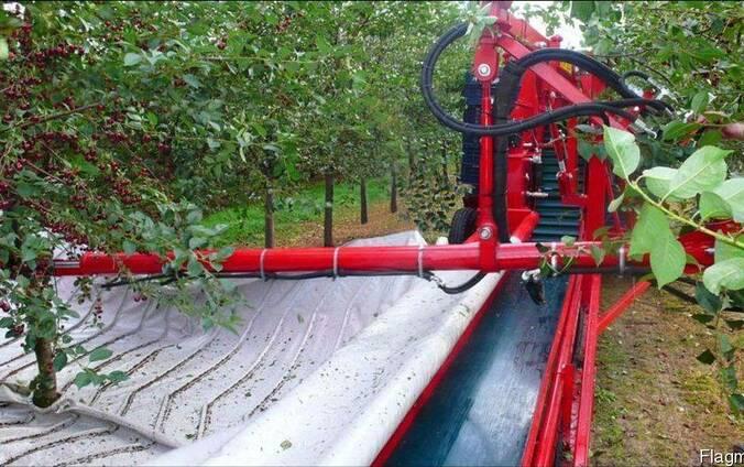 "Стряхивающий и очищающий агрегат""MAJA"" для уборки вишни и сл"