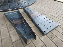Ступень для винтовых лестниц шипованная металлическая