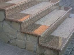 Ступени из натурального камня для лестниц
