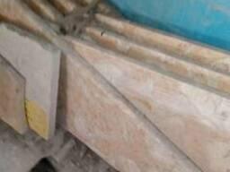 Ступени мраморные для лестницы ,практически готовые ,недорог