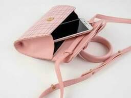 Сумка клатч через плечо с круглой ручкой и ремешком (розовая, голубая)