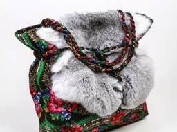 Сумка-торбочка на шнурке из платка с мехом кролика