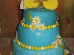 Свадебный торт с Пакмэнами и ромашками