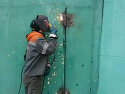Сварщик в Донецке приедет приварит петлю навес засов