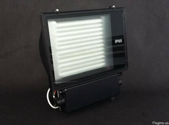 Светодиодный led прожектор, светодиодный светильник.