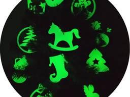 Светящиеся в темноте елочные игрушки