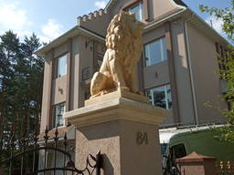 Світська та церковна скульптура