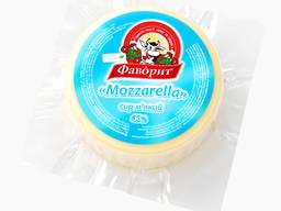 "Сыр мягкий ""Mozarella"" 45% ТМ ""Фаворит"""