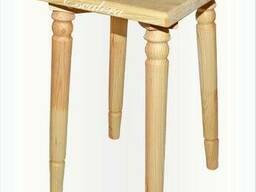 Табурет деревянный с точёнными ножками