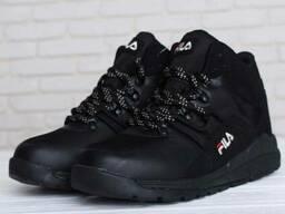 Темні черевики FILA