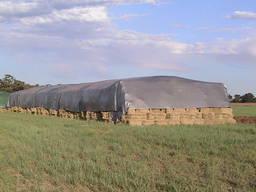 Тент для укрытия кормов
