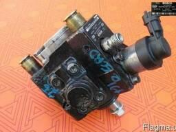 Топливный насос на Hyundai H1 2.5 crdi 0445010118