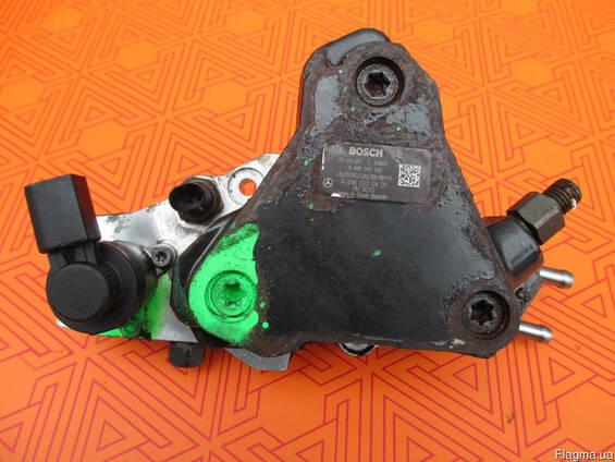 Топливный насос на Mercedes Sprinter 2.2 cdi 0445010143