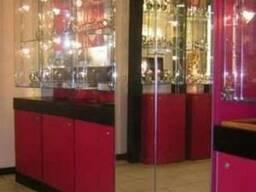 Торговая витрина, прилавок, стеллаж из ДСП, МДФ, стекла, зеркал