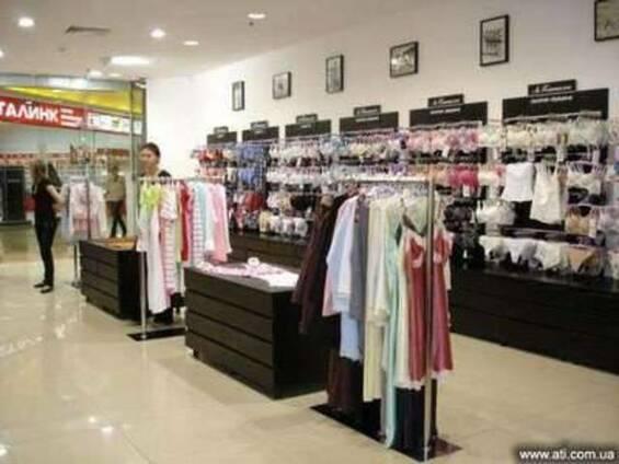 Торговое оборудование для магазина одежды, обуви