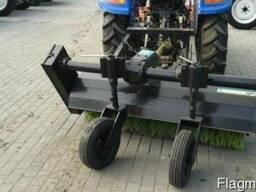 Трактор коммунальный Dongfeng-244 с отвалом и щеткой - фото 5