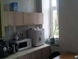 Трехкомнатная квартира в Голосеевском районе.