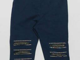 Трикотажные рваные бриджи для девочки темно-синего цвета 140
