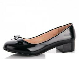 Туфли женские демисезонные на низком каблуку