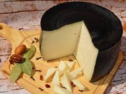 Твердый сыр Монтазио из козьего молока (6 мес. )