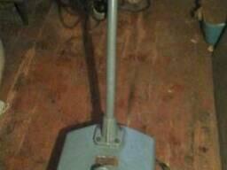 Удаление, снятие, шлифование, демонтаж старой краски на полу