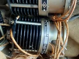Угольные регуляторы напряжения УРН-423 УРН-422.