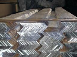 Уголок алюминиевый разносторонний 40x10x2мм