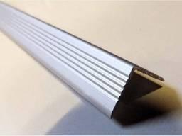 Уголок алюминиевый для окон и дверей