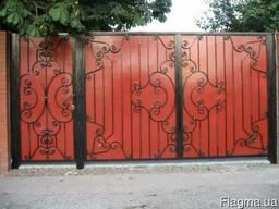 Уличные ворота из профнастила
