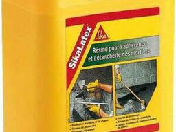 Универсальная добавка, пластификатор для тонкослойных штукатурок и стяжек SikaLatex, 5л