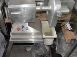 Универсальный привод для кухни б/у с шинковкой Romeo Aguston