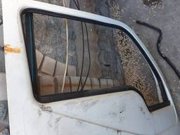 Уплотнитель стекла правой двери DF30, 40