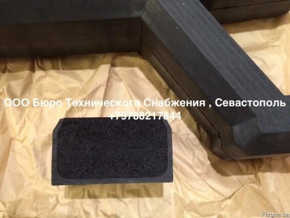 Уплотнительная резина люковых закрытий трюмов 71х32 мм.