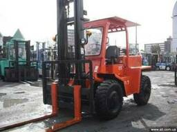 Used and As is Off-Road Toyota FDT25 forklift truck Japan