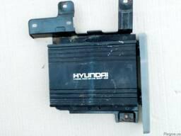 Усилитель звука 96300-2B800 на Hyundai Santa FE 06-09 (Хюнда