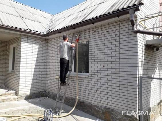 Утеплення будинків рідким пінопластом екоізол