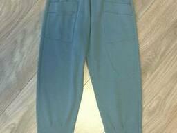 Утепленные брюки для девочки спортивного кроя в сером цвете 152